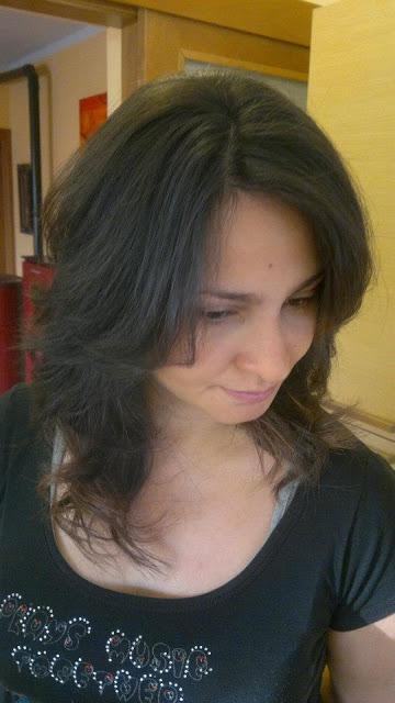 Taglio scalato donna capelli lunghi con ciuffo - Paperblog