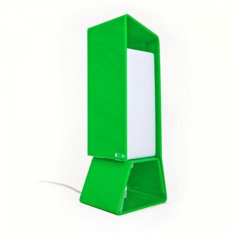 Shop design online lampade da comodino di design in - Lampade da tavolo in plexiglass ...