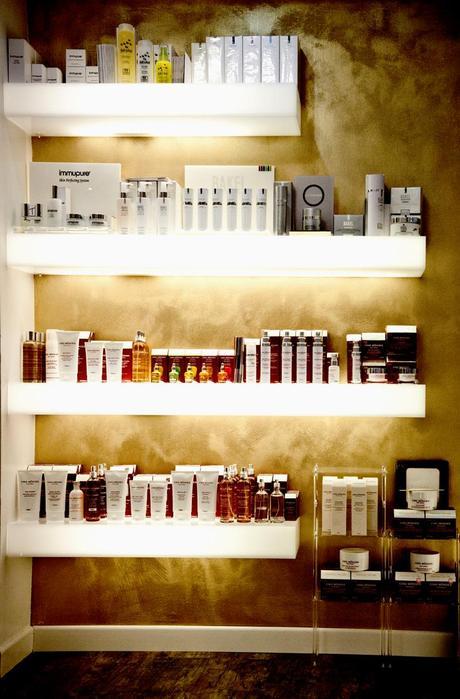 Online design store mensole mensole luminose e librerie for Mensole design online