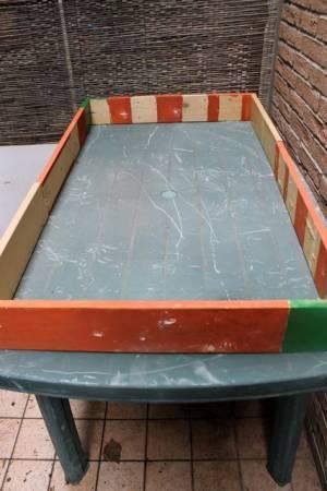 Orti sul balcone: come costruire un tavolo orto fai-da-te