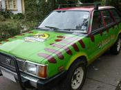 vecchia Subaru diventa macchina Jurassic Park
