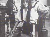 donna alla fontana vista Cartier-Bresson