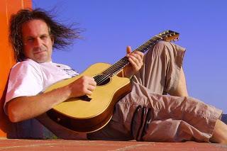 DeFox Records ed Eur Records presentano VINNIE PERINOTTO Musicista giramondo e fotografo.