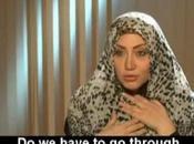 Egitto: giornalista vuole hijab l'imam pagato 1000 pound.