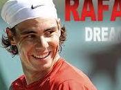 Rafa Nadal rilassa vista Roland Garros sfidando suoi poker!