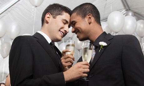 I gay non amano, è solo perversione!