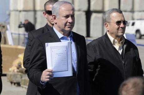 Il primo ministro israeliano Benjamin Netanyahu (sinistra) ed il ministro della difesa Ehud Barak (destra)