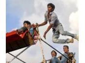 Delhi: giostra panoramica azionata braccia (video)