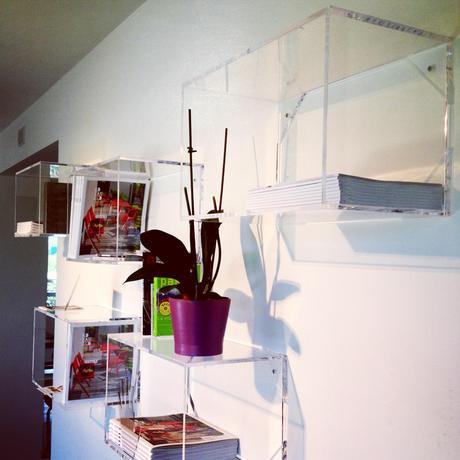 Lavorazione plexiglass roma mensole e cubi trasparenti su for Cubi mensole