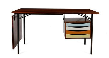 Dansk-Mobelkunst-Gallery_Writing-desk-in-Rosewood,-gunmetal-and-brass-by-Finn-Juhl-in-1953