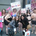 San Francisco, sit-in in intimo con i corpi veri contro Victoria' Secret 04
