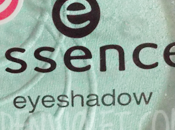 Essence eyeshadow peppermint cream
