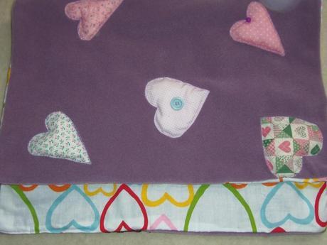 Coperta culla in pile con applicazioni imbottite paperblog for Piccoli piani di coperta
