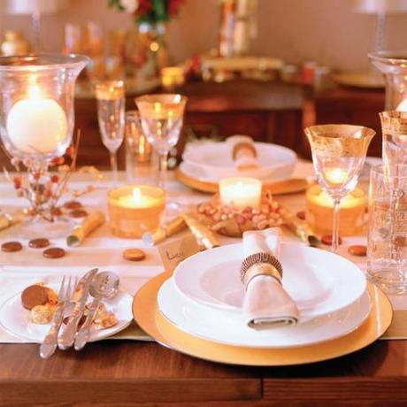 Galateo a tavola nel modo giusto paperblog - Disposizione bicchieri a tavola ...