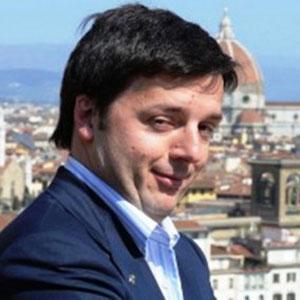Matteo Renzi ammicca