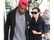 Kanye West, lite paparazzo all'aeroporto Angeles