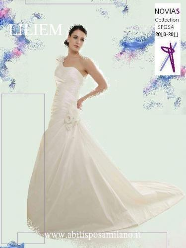 ebfd9f496889 Abito sposa milano Novias 2011 abito sposa avorio bianco. Abiti da sposa  colorati tutte le ...
