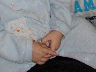 Sulle mani ovvero il diritto dei bambini ad usarle