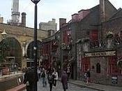 Passeggiata fiume: Anchor. antichi Londra. Globe Theater, rivive genio Shakespeare. Millennium Bridge, verso Saint Paul Cathedral.
