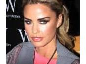 Katie Price: Copiate look minuti