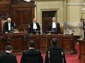 Confermata condanna Berlusconi: italiani ieri davanti alla ascoltare verdetto della Cassazione