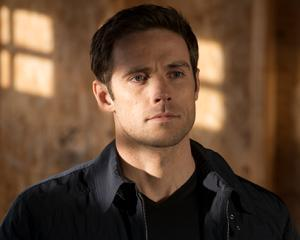 Dylan Bruce nel cast di Arrow The CW Stephen Amell Dylan Bruce Arrow