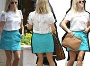 Star Style Reese Witherspoon semplice chic borsa Valentino
