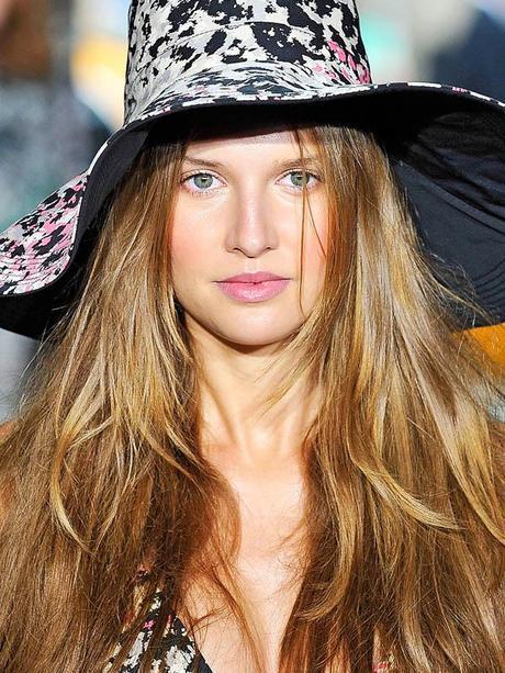 photo DKNY-Spring-2012-beauty-3.jpg