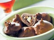 Fichi cioccolato ripieni pinoli.