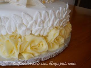 Cake per 50 anni di matrimonio paperblog for Decorazione torte per 50 anni di matrimonio