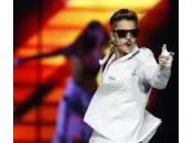 Justin Bieber nudo dedica canzone alla nonna