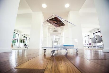 Tavoli e tavolini soggiorno design plexiglass trasparente - Tavolini plexiglass ...