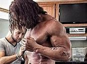 Cicatrici segni guerra fisico Dwayne Johnson nella nuova immagine Hercules: Thracian Wars