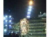 Costa Concordia posizione verticale: missione compiuta, nave asse