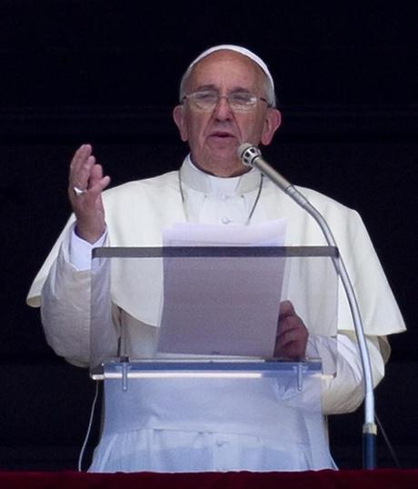 Papa Francesco veglia I papi e la guerra