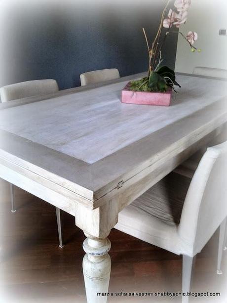 Un tavolo in legno si trasforma paperblog for Tavolo legno vecchio cucina