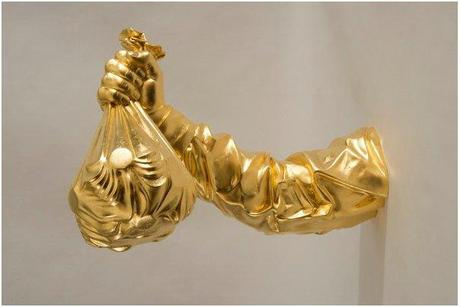 Elmgreen & Dragset, Temptation, 2012, epoxy resin, 24 carat beaten gold, 30 x 59 x 42 cm