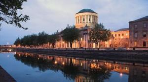 Referendum irlandese. Vincono gli oppositori all'abolizione del Senato, la camera alta.