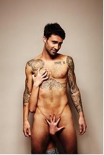 L'angolo dell'ormonella! // Adam Levine nudo per Cosmopolitan UK