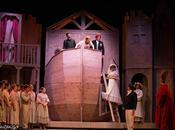 Aggiungi posto tavola versione originale Teatro della Luna
