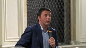 Alla Leopolda di Firenze Renzi modera le discussioni e sono attesi interventi eccellenti tra scrittori, politici, imprenditori e politologi.