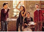 """Glee Microfono alla mano Santana, Kurt Starchild"