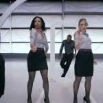 Hostess Virgin Airways spiegano misure di sicurezza a ritmo di rap (Video)