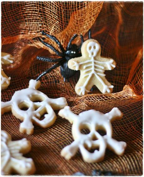 Skull skeleton cookies5