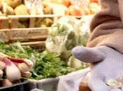 Pensionato ruba frutta supermercato denunciato euro