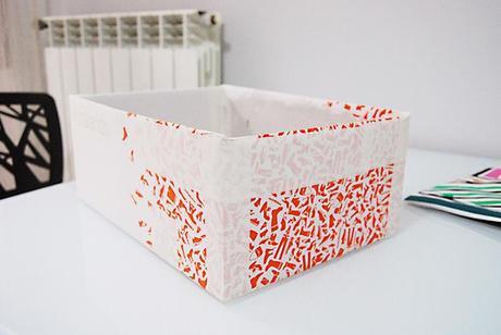 Diy come rivestire una scatola in tessuto how to cover for Scatole per armadi in tessuto