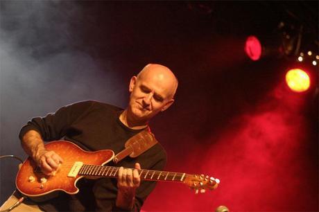 Guitars Speak terzo anno:  le chitarre bretoni di Dan Ar Braz