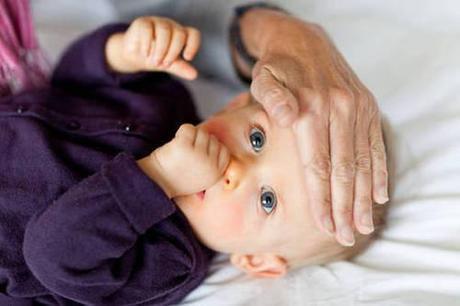D'inverno troppi farmaci a bimbi per 'febbrofobia' genitori