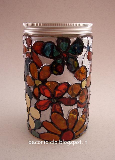 Decorare un barattolo di plastica con i colori per vetro - Come decorare un barattolo ...