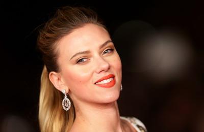 Scarlett-Johansson-Rome-Film-Festival-Her-Premiere-Makeup-Opening